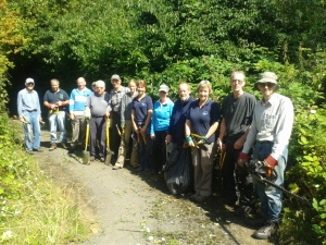 Volunteers cut Blackwater Valley Path in Frimley
