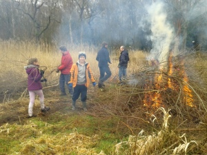Fleet RSPB Wildlife Explorers loading fire